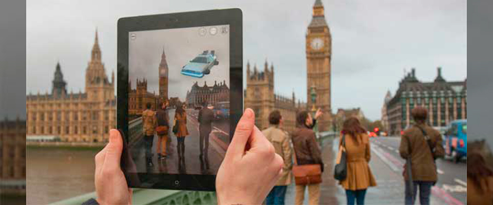 Augmented Reality in museums: 10 possible contributions to cultural tourism