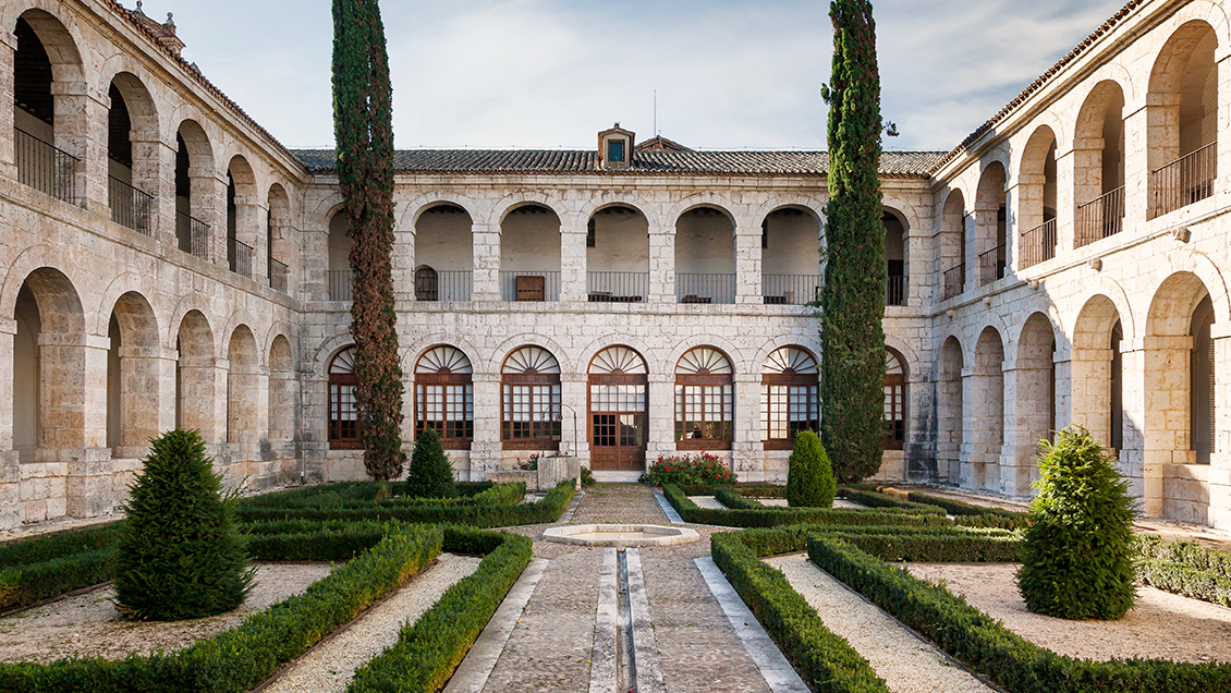 Resultado de imagen de real monasterio de santa clara de tordesillas